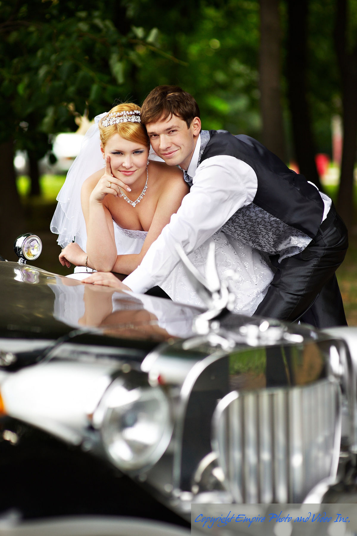 empire photo and video wedding photo car